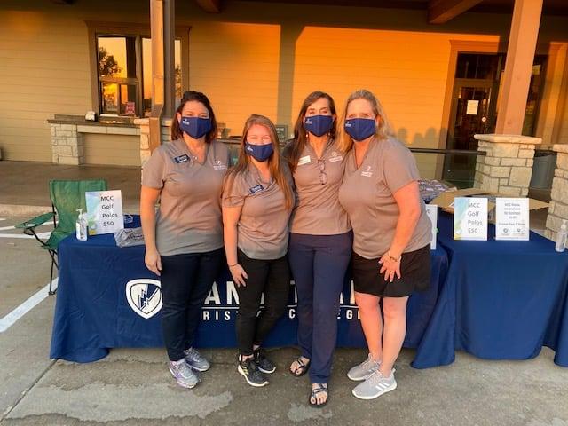 IA MCC women helping at golf classic!
